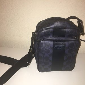 Coach navy/ black Crossbody